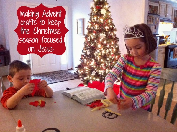 making Advent crafts with Truth in the Tinsel