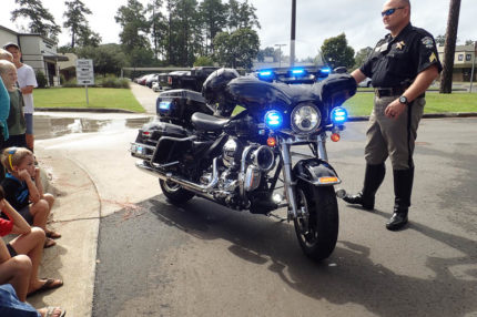 sheriff's motorcycle with lights