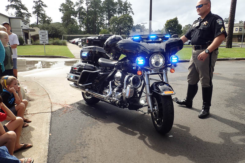 sheriff motorcycle with lights